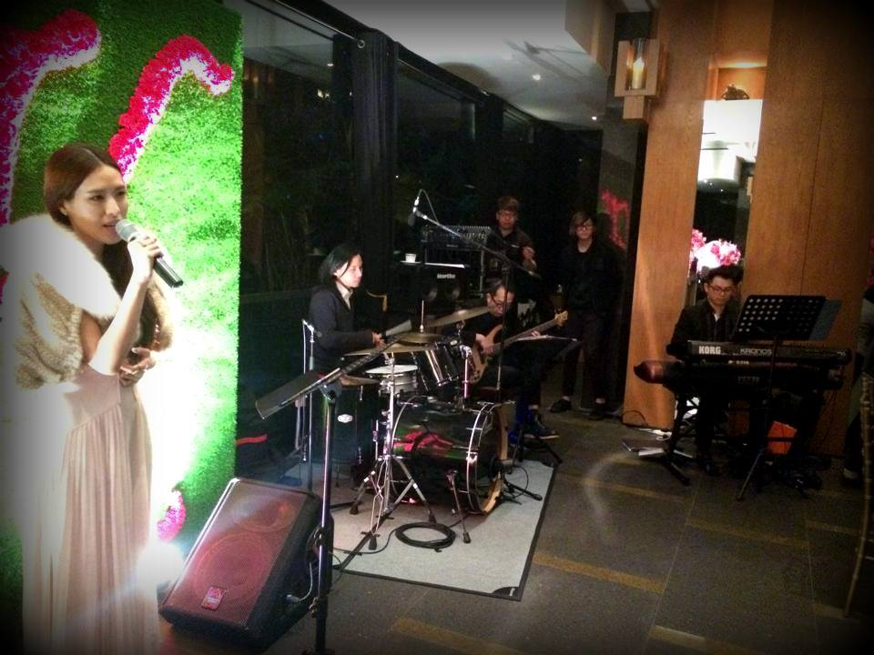 Unison Production Live Music band performance - Birthday Party in Grand Hyatt Pool House - Jan15
